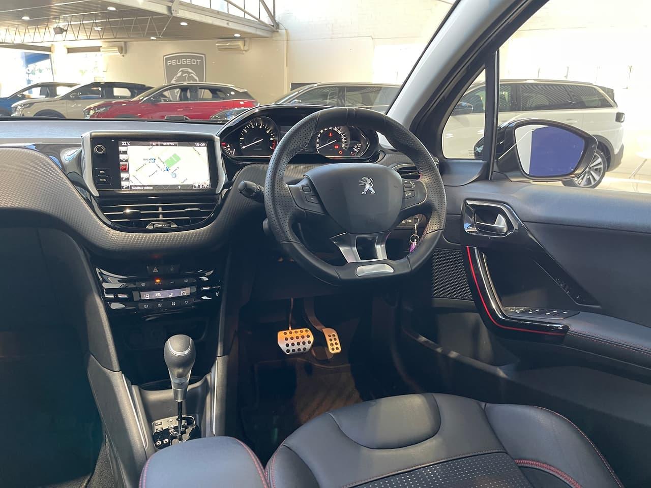 2015 PEUGEOT 208 GT-line HATCHBACK